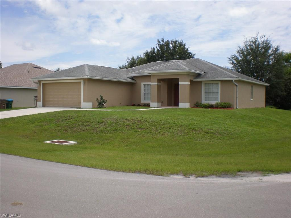 1426 SW 9th Ter, Cape Coral, FL 33991 (MLS #216050756) :: The New Home Spot, Inc.