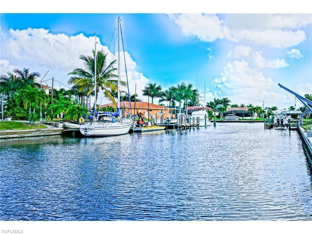120 SW 56th Ter, Cape Coral, FL 33914 (MLS #216051003) :: The New Home Spot, Inc.