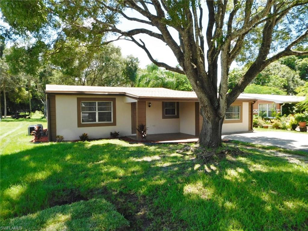 4424 Seminole St, Fort Myers, FL 33905 (#216051292) :: Homes and Land Brokers, Inc