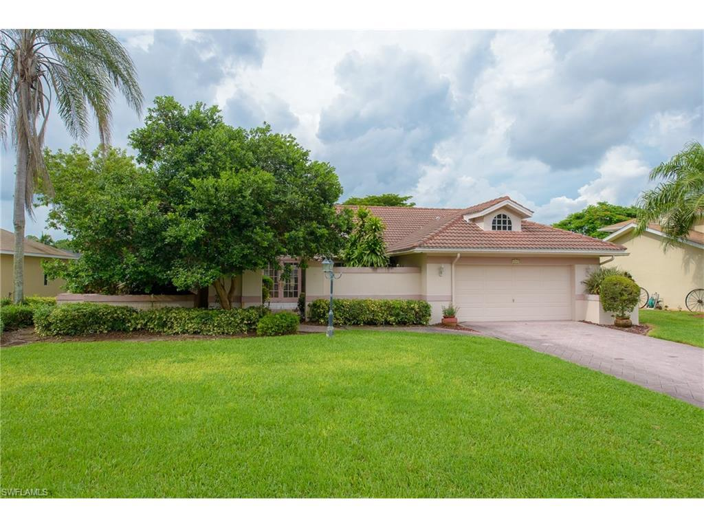 6760 Willow Lake Cir, Fort Myers, FL 33966 (MLS #216051713) :: The New Home Spot, Inc.