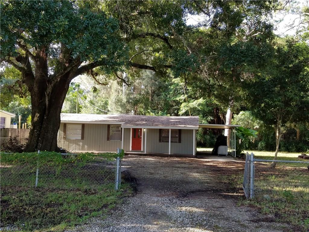 312 Whittier Ave, North Fort Myers, FL 33917 (MLS #216051822) :: The New Home Spot, Inc.