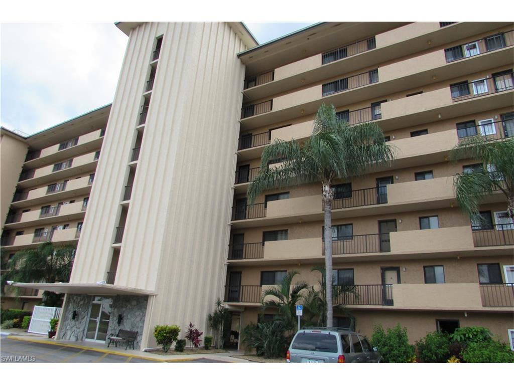 4280 SE 20th Pl #205, Cape Coral, FL 33904 (MLS #216051824) :: The New Home Spot, Inc.