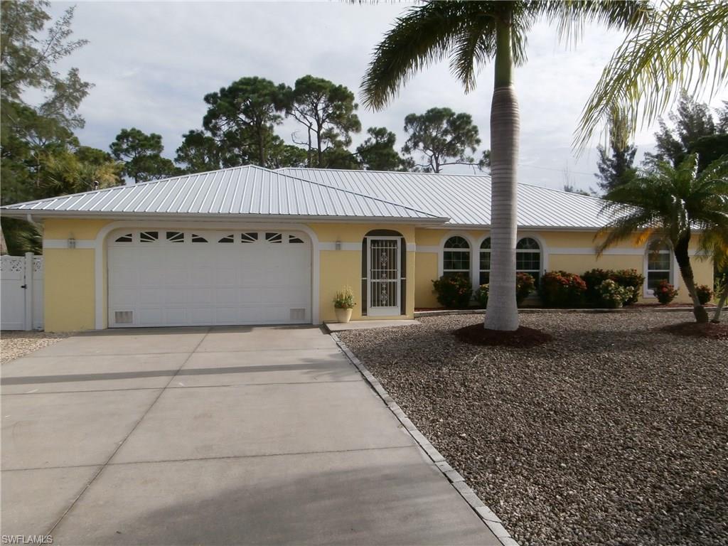 3526 Manatee Dr, St. James City, FL 33956 (MLS #216051911) :: The New Home Spot, Inc.