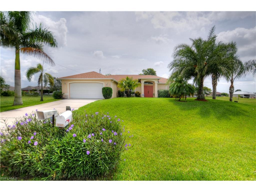 1417 NE 6th Pl, Cape Coral, FL 33909 (#216052075) :: Homes and Land Brokers, Inc