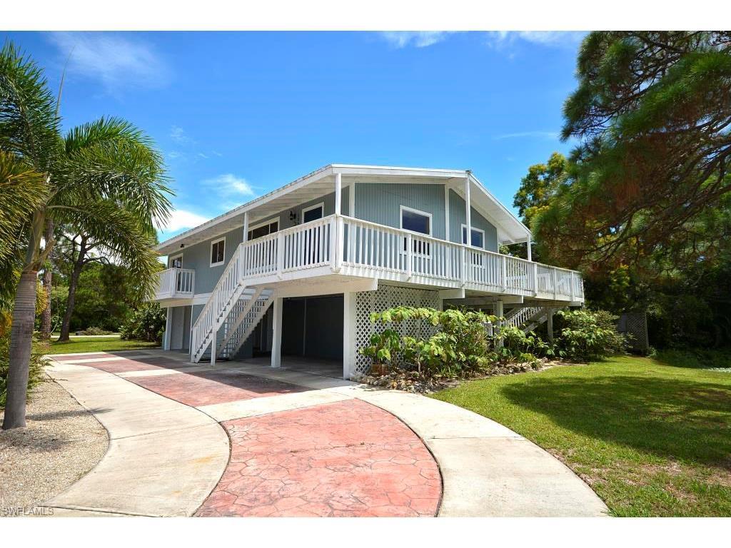 10605 Habitat Trl, Bokeelia, FL 33922 (#216052174) :: Homes and Land Brokers, Inc