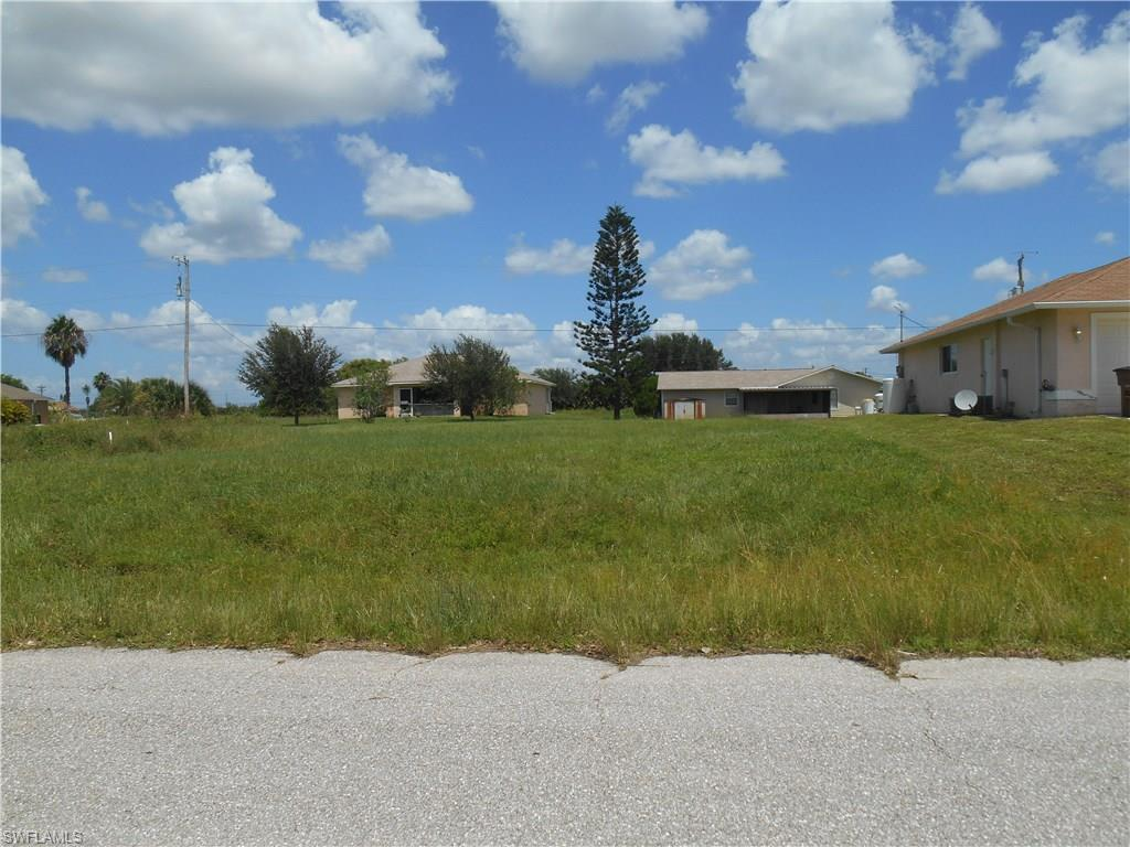 305 NW 4th Ter, Cape Coral, FL 33993 (MLS #216052321) :: The New Home Spot, Inc.