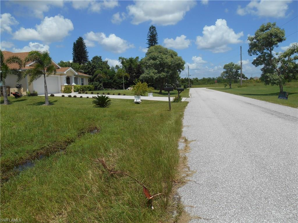 430 NW Juanita Ct, Cape Coral, FL 33993 (#216052340) :: Homes and Land Brokers, Inc