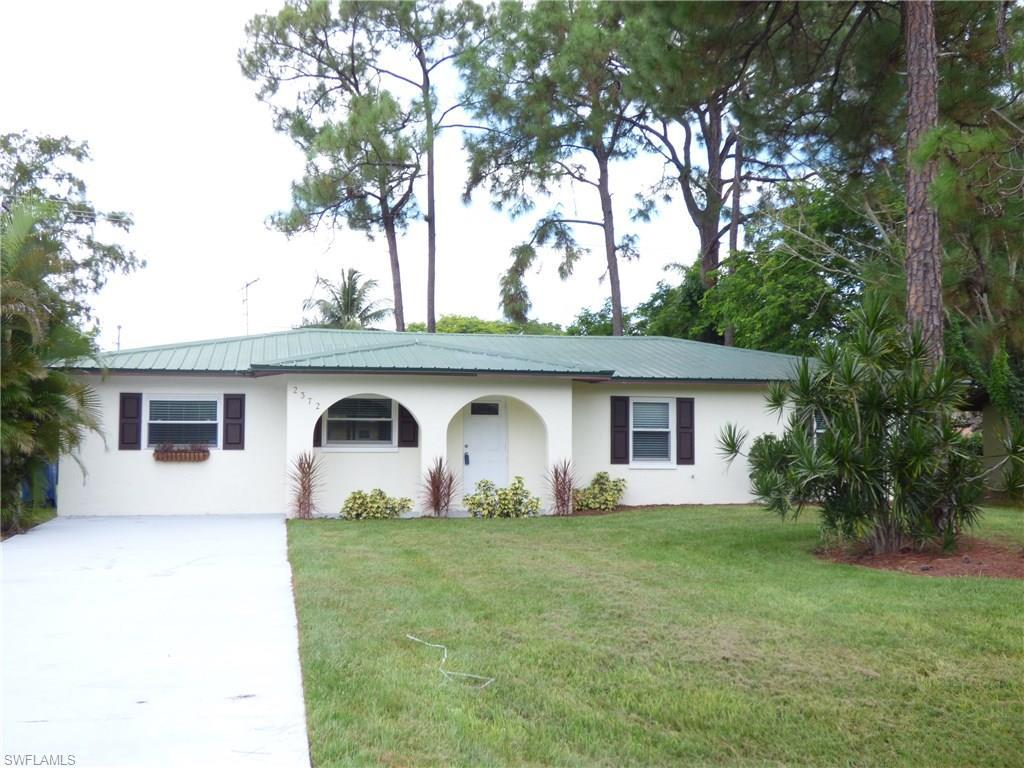 2372 Crystal Dr, Fort Myers, FL 33907 (MLS #216052509) :: The New Home Spot, Inc.