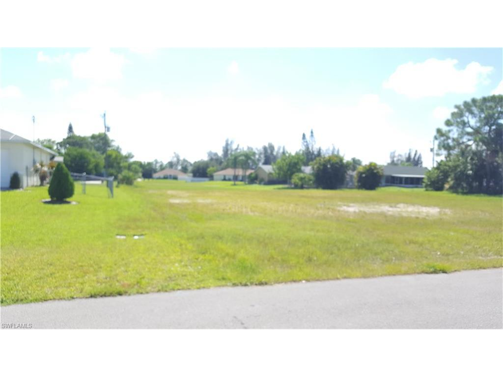 1107 SW 9th Ct, Cape Coral, FL 33991 (#216052521) :: Homes and Land Brokers, Inc