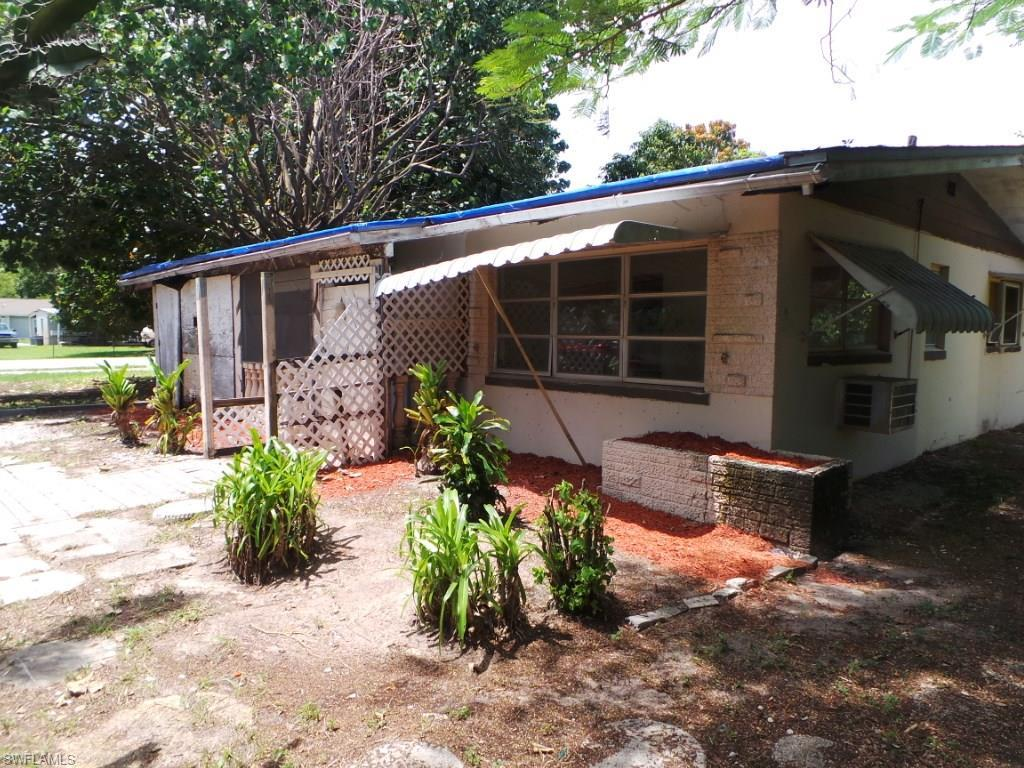 1737 Cypress Dr, Fort Myers, FL 33907 (MLS #216052691) :: The New Home Spot, Inc.