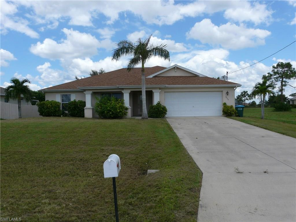 2929 NW 25th Ter, Cape Coral, FL 33993 (MLS #216052750) :: The New Home Spot, Inc.