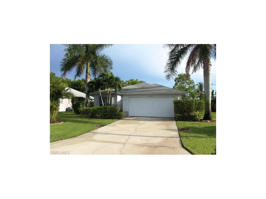 1305 SE 38th Ter, Cape Coral, FL 33904 (#216052873) :: Homes and Land Brokers, Inc