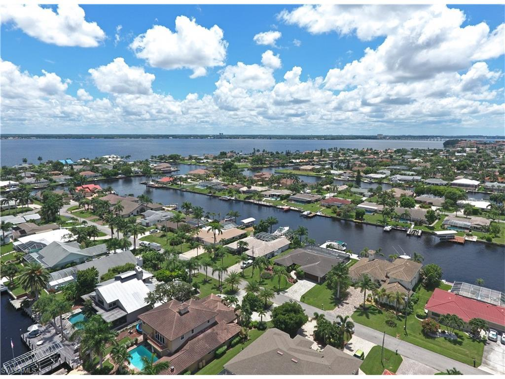 1916 SE 35th St, Cape Coral, FL 33904 (#216053046) :: Homes and Land Brokers, Inc