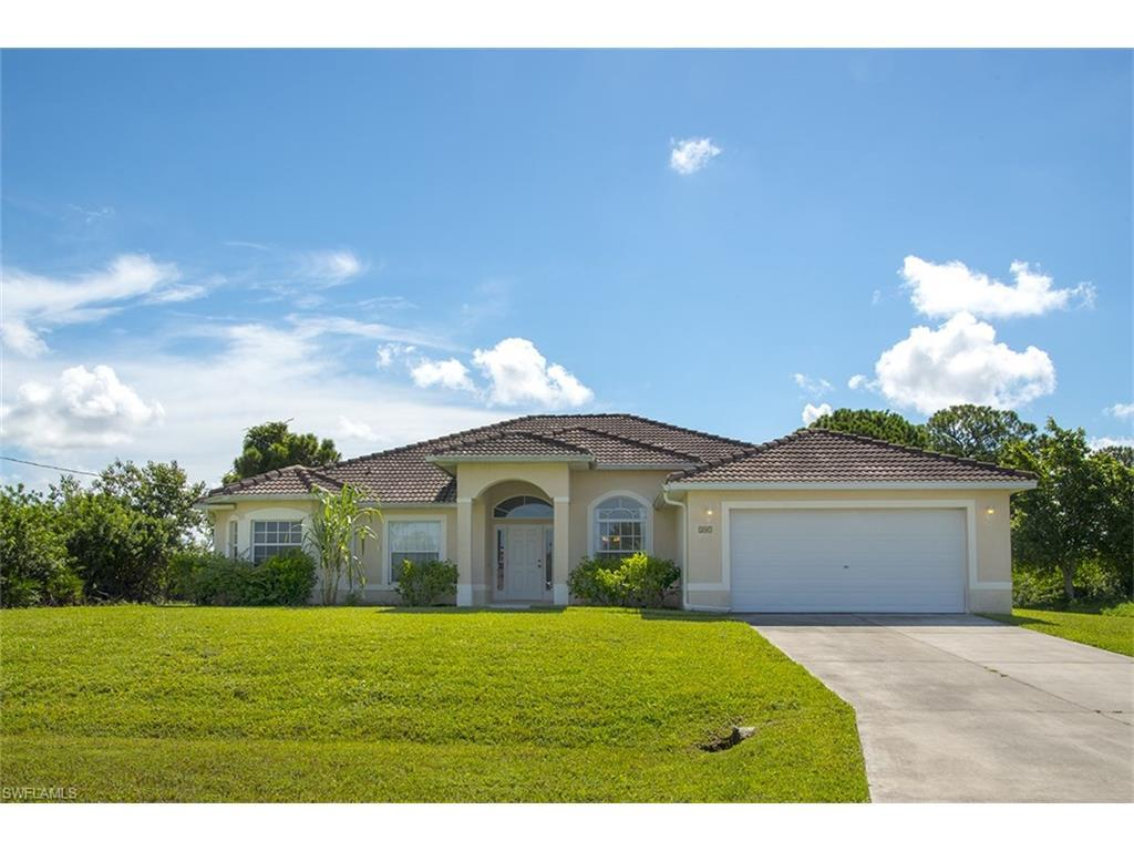207 SW 27th Ave, Cape Coral, FL 33991 (#216053140) :: Homes and Land Brokers, Inc