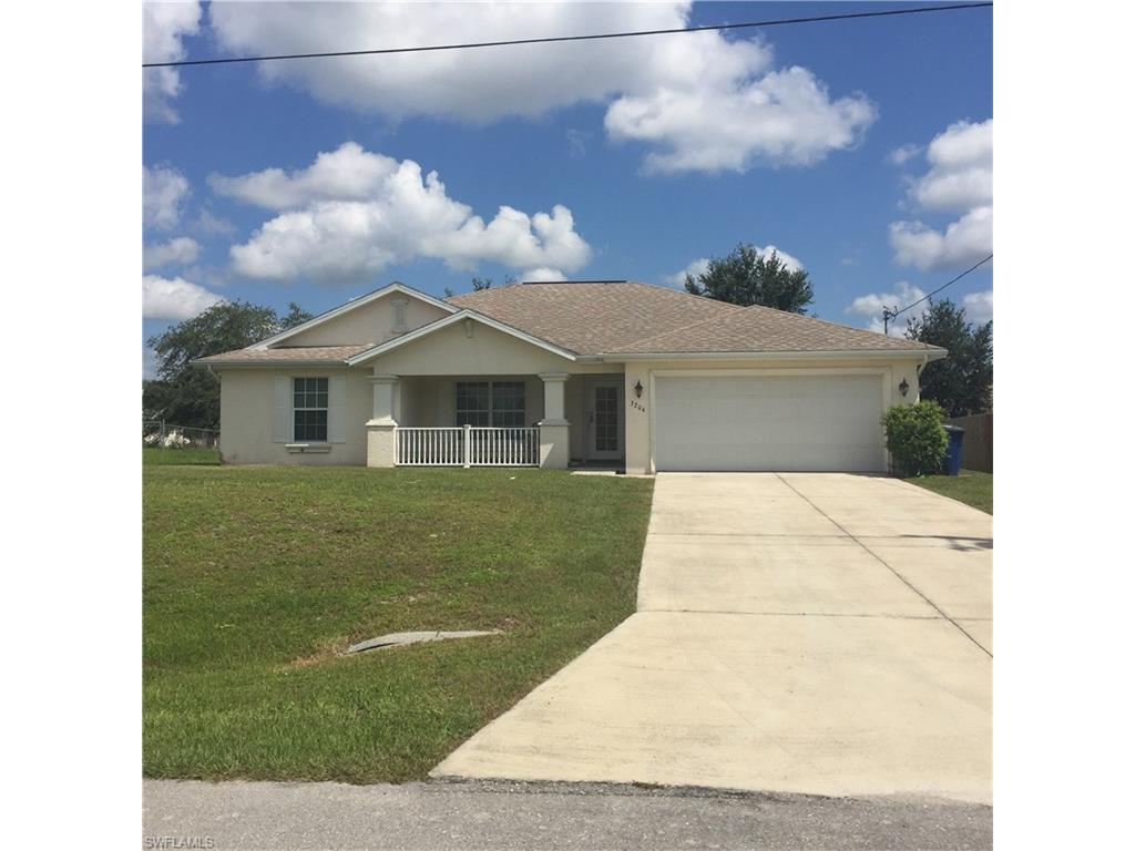 3204 14th St W, Lehigh Acres, FL 33971 (#216053178) :: Homes and Land Brokers, Inc