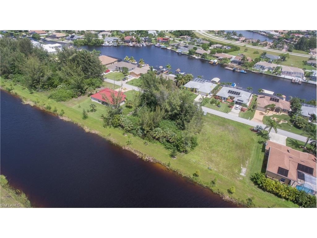 3318 SW 8th St, Cape Coral, FL 33991 (MLS #216053454) :: The New Home Spot, Inc.
