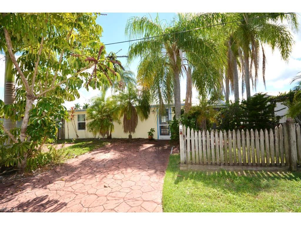 2637 1st St, Matlacha, FL 33993 (MLS #216053693) :: The New Home Spot, Inc.