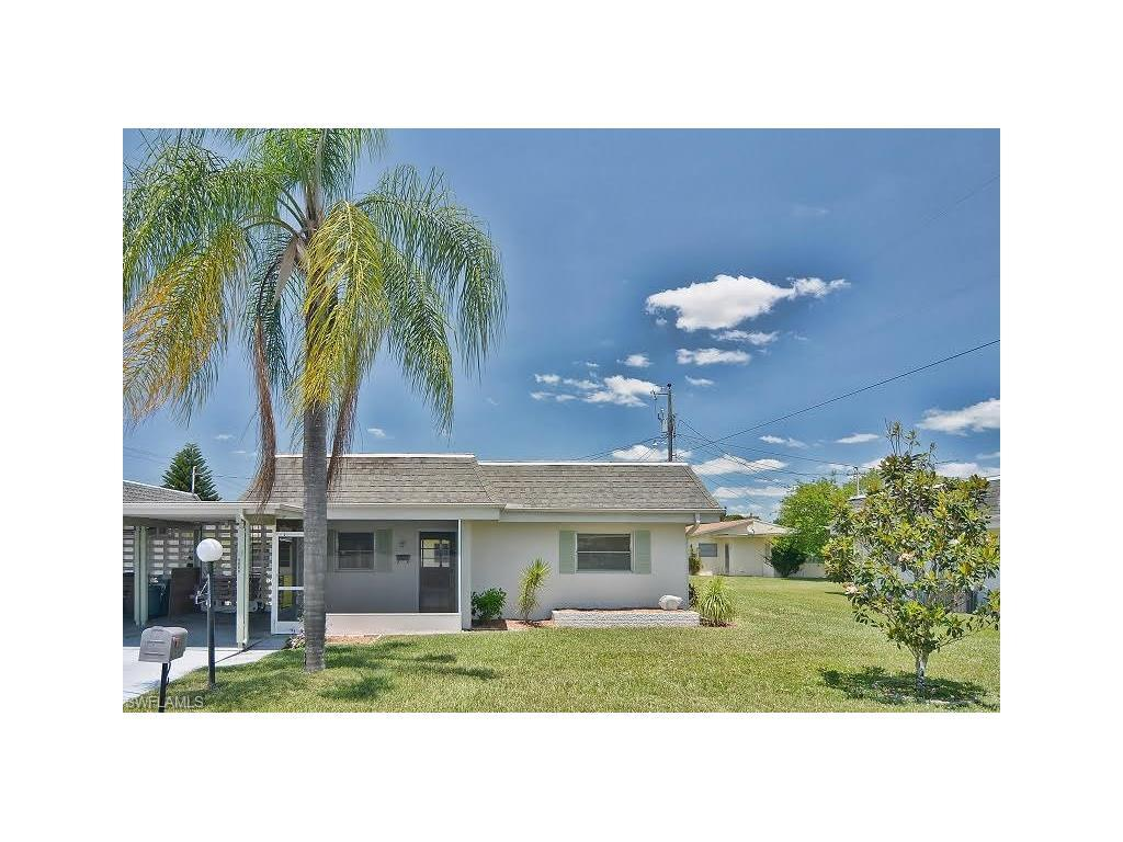 2321 Magnolia Ct, Lehigh Acres, FL 33936 (#216053804) :: Homes and Land Brokers, Inc