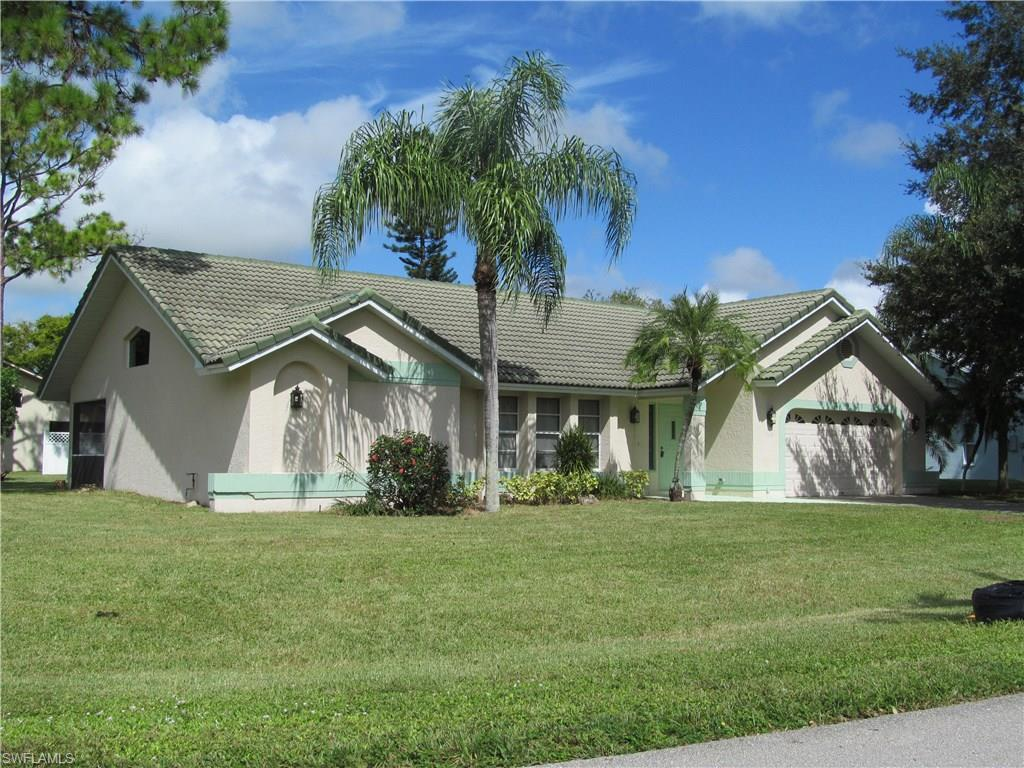 560 Foxcreek Dr, Lehigh Acres, FL 33974 (#216054062) :: Homes and Land Brokers, Inc
