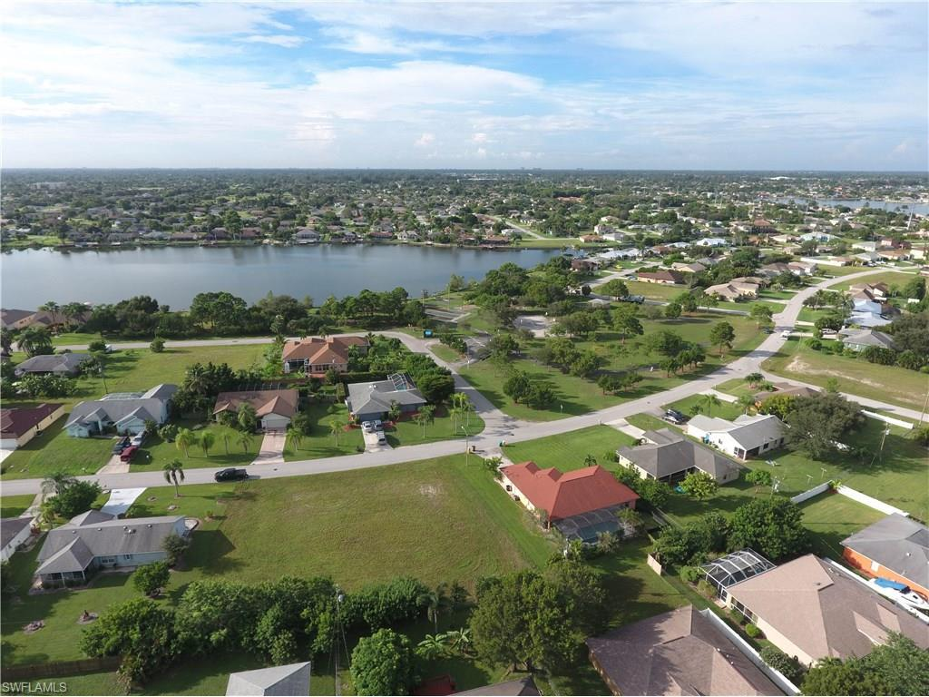 205 SE 4th Ter, Cape Coral, FL 33990 (MLS #216054363) :: The New Home Spot, Inc.
