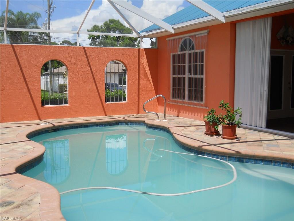 2118 SW 12th Pl, Cape Coral, FL 33991 (MLS #216054373) :: The New Home Spot, Inc.