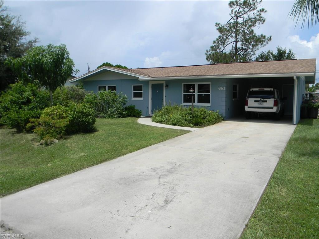 861 Lake Mcgregor Dr, Fort Myers, FL 33919 (MLS #216054502) :: The New Home Spot, Inc.