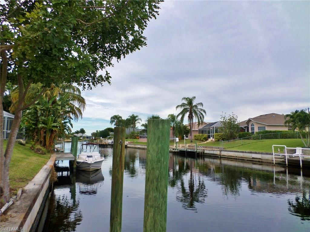 3827 SE 13th Ave, Cape Coral, FL 33904 (#216054551) :: Homes and Land Brokers, Inc