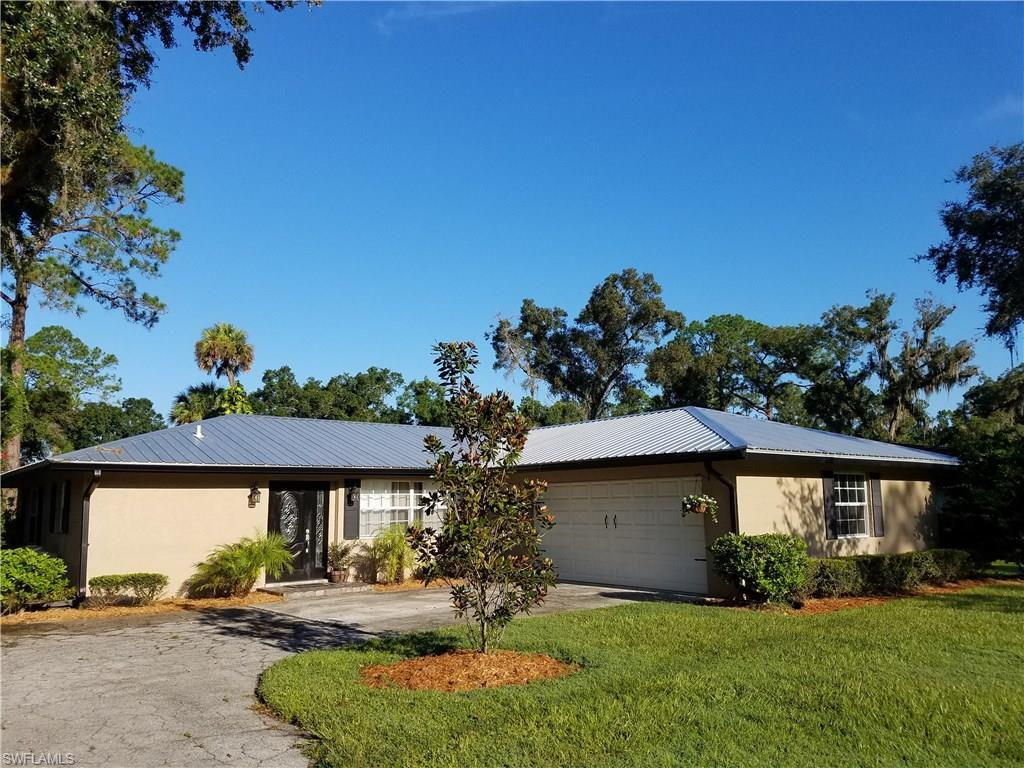 310 Pollywog Pt, Labelle, FL 33935 (MLS #216054638) :: The New Home Spot, Inc.