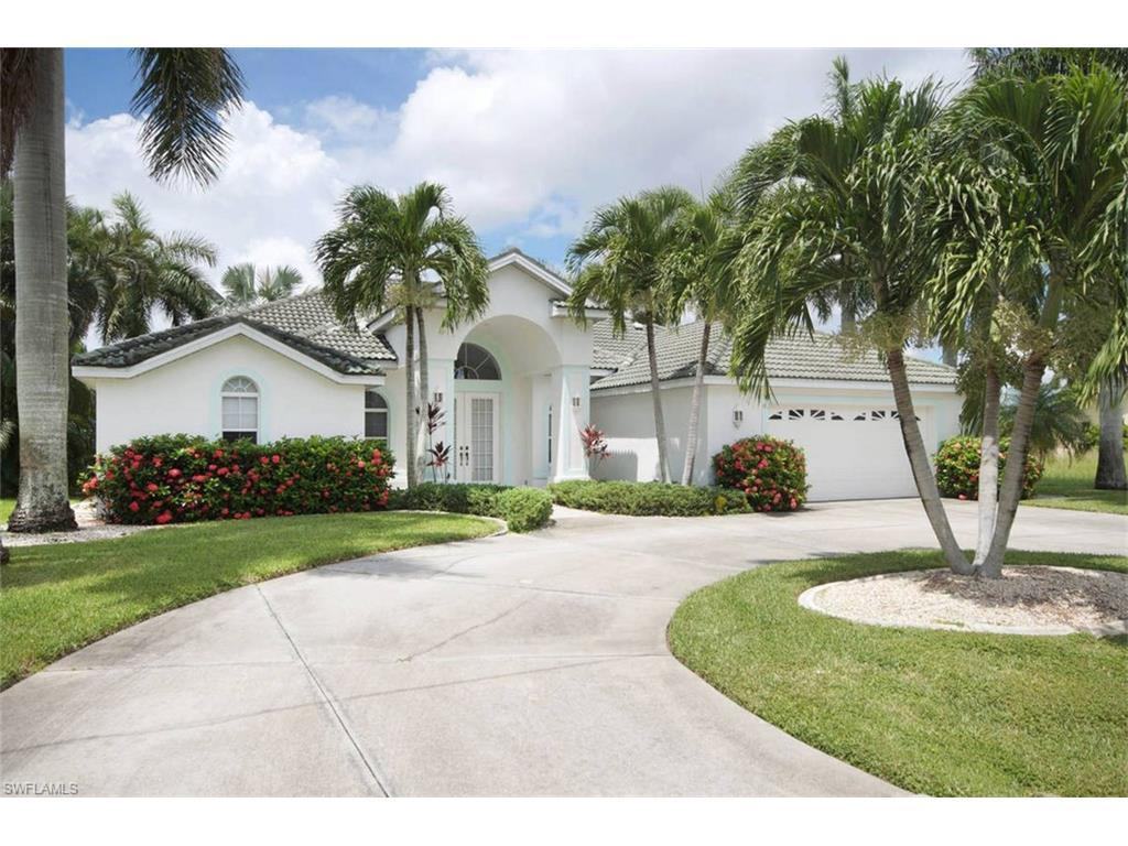 3916 SE 18th Pl, Cape Coral, FL 33904 (#216054644) :: Homes and Land Brokers, Inc