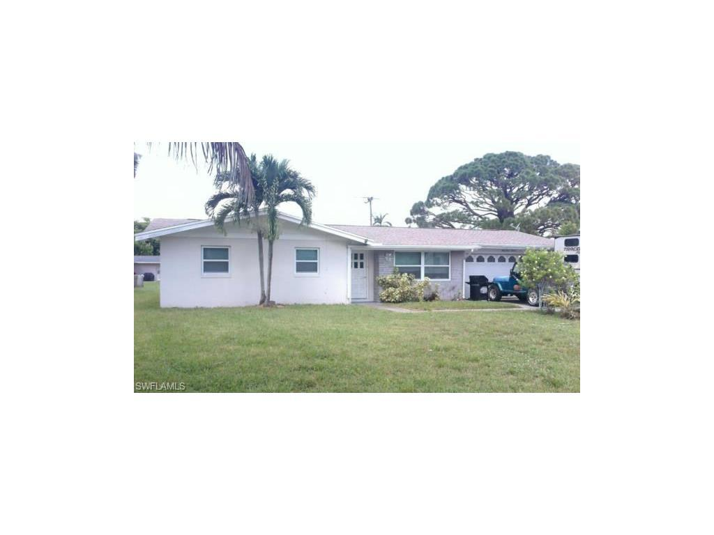 6313 Saint Andrews Cir S, Fort Myers, FL 33919 (#216054757) :: Homes and Land Brokers, Inc