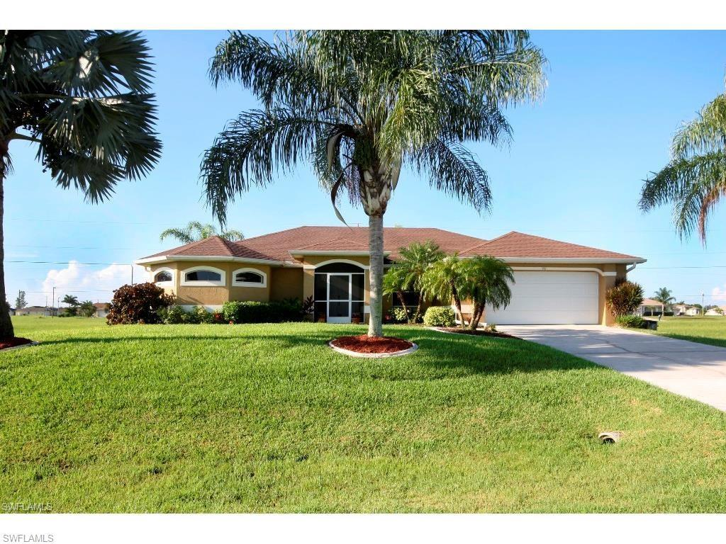 116 NW 11th St, Cape Coral, FL 33993 (#216054929) :: Homes and Land Brokers, Inc