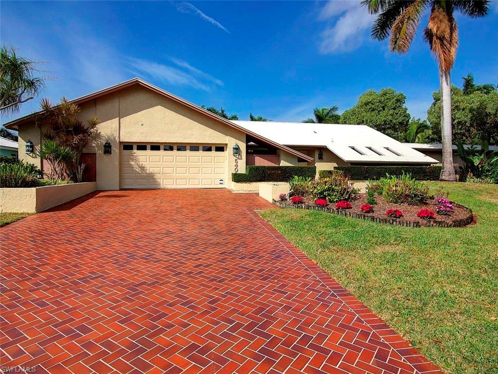5403 Brandy Cir W, Fort Myers, FL 33919 (#216055058) :: Homes and Land Brokers, Inc
