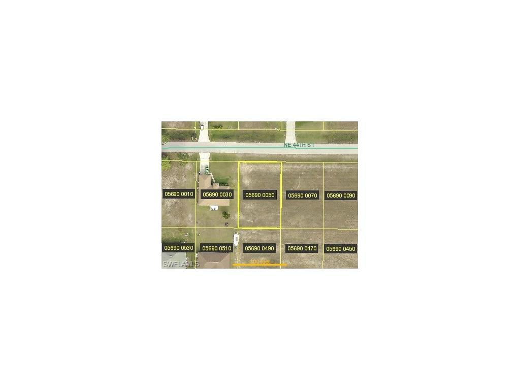 808 NE 44th St, Cape Coral, FL 33909 (#216055108) :: Homes and Land Brokers, Inc