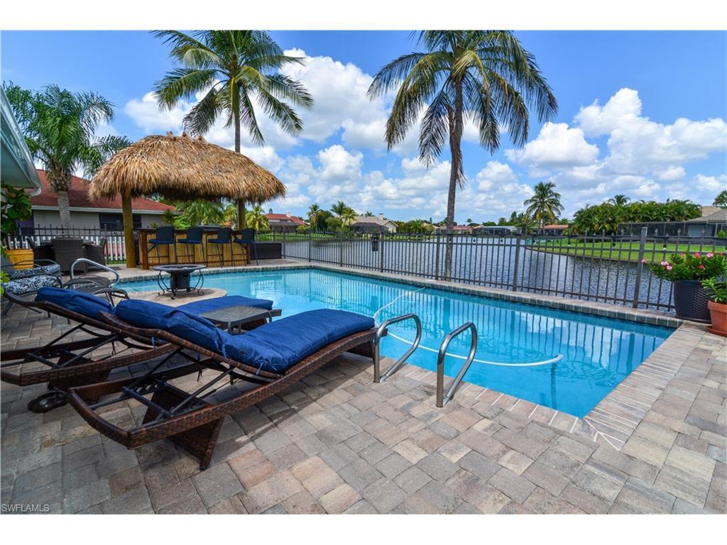 931 Deep Lagoon Ln, Fort Myers, FL 33919 (MLS #216055785) :: The New Home Spot, Inc.