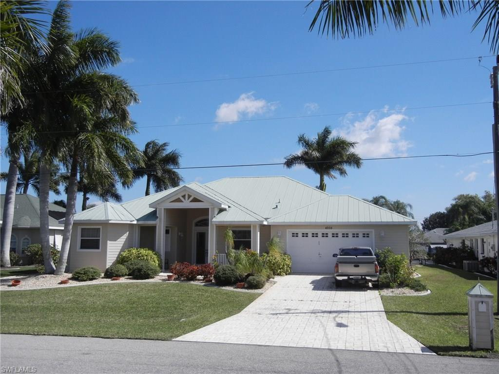 4935 SW 8th Pl, Cape Coral, FL 33914 (MLS #216055836) :: The New Home Spot, Inc.