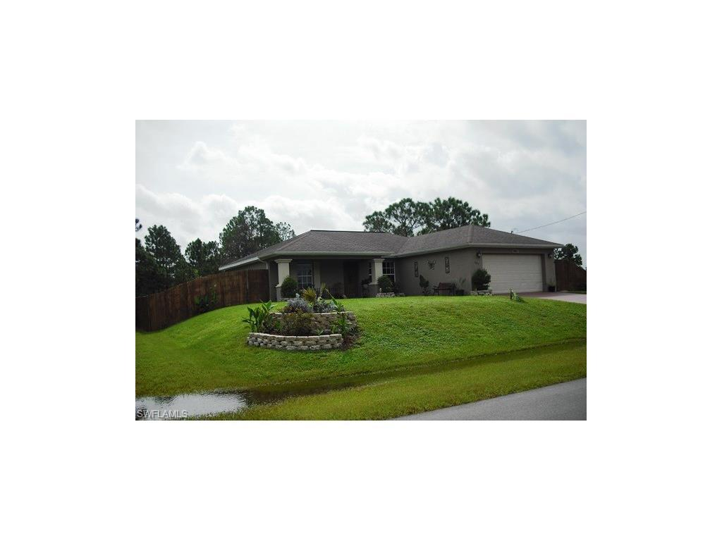1051 Harwood Ave S, Lehigh Acres, FL 33974 (MLS #216056036) :: The New Home Spot, Inc.