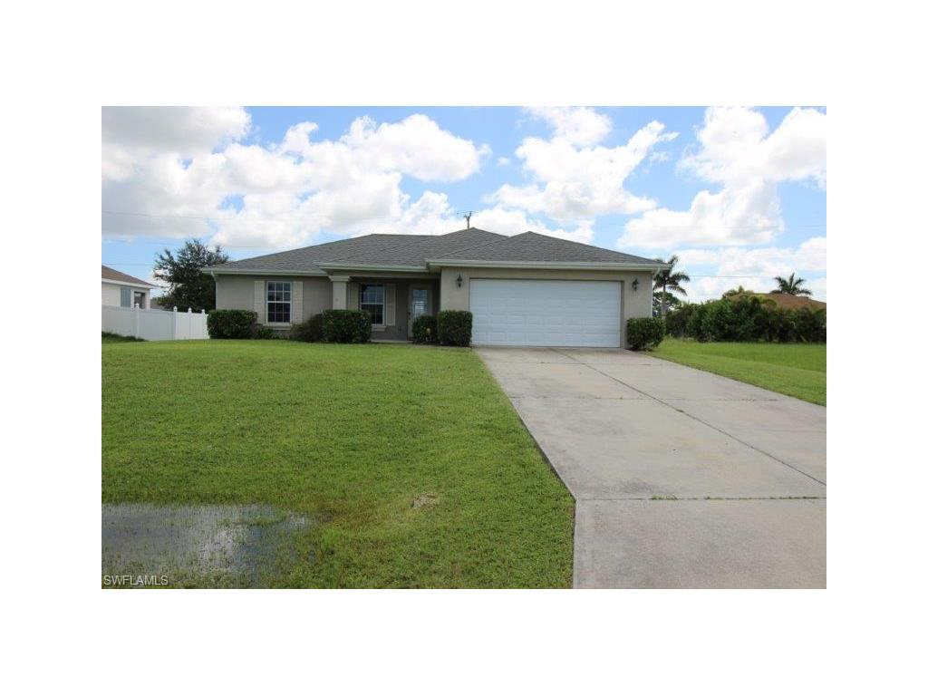 629 NW 17th Pl, Cape Coral, FL 33993 (MLS #216056107) :: The New Home Spot, Inc.