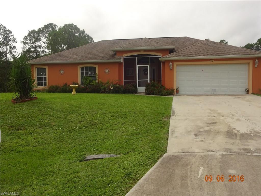 932 Berg St E, Lehigh Acres, FL 33974 (MLS #216056126) :: The New Home Spot, Inc.