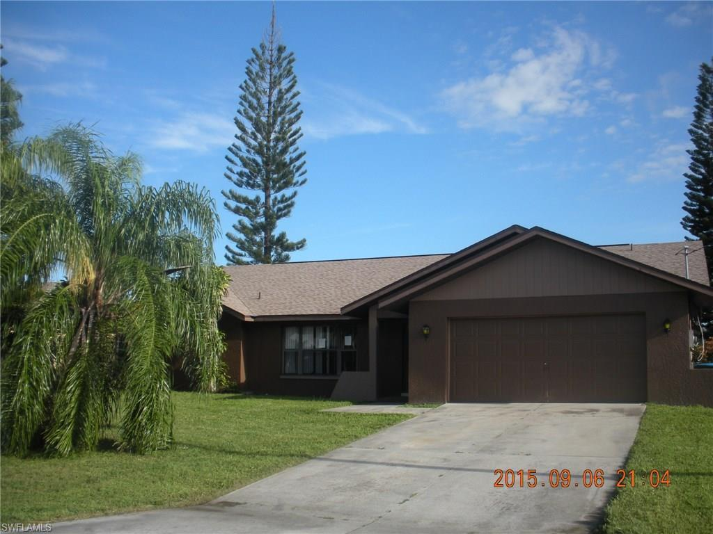 1315 SE 20th St, Cape Coral, FL 33990 (MLS #216056196) :: The New Home Spot, Inc.