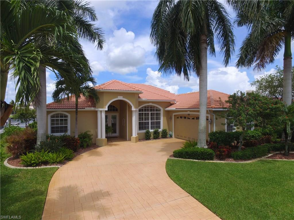 5755 SW 9th Ct, Cape Coral, FL 33914 (MLS #216056363) :: The New Home Spot, Inc.