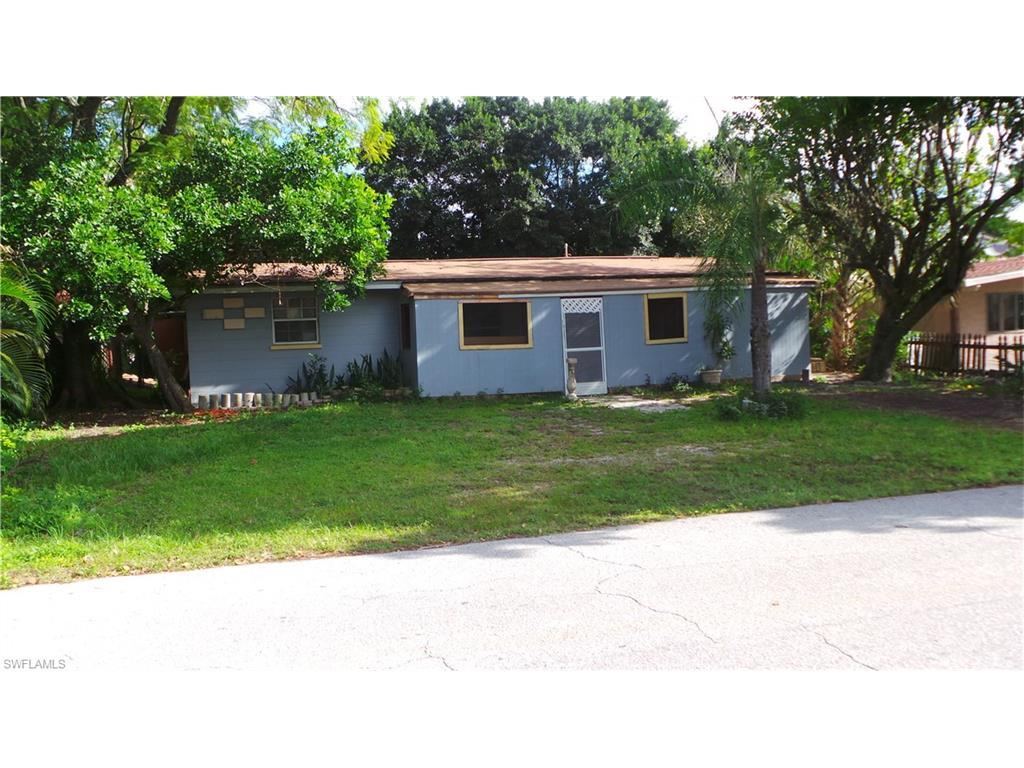 2181 Coronet St, Fort Myers, FL 33907 (MLS #216056712) :: The New Home Spot, Inc.
