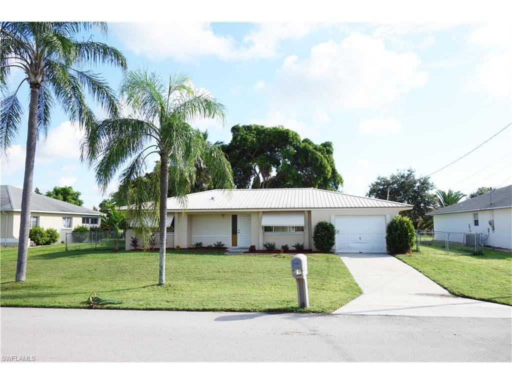3733 SE 8th Pl, Cape Coral, FL 33904 (MLS #216057637) :: The New Home Spot, Inc.