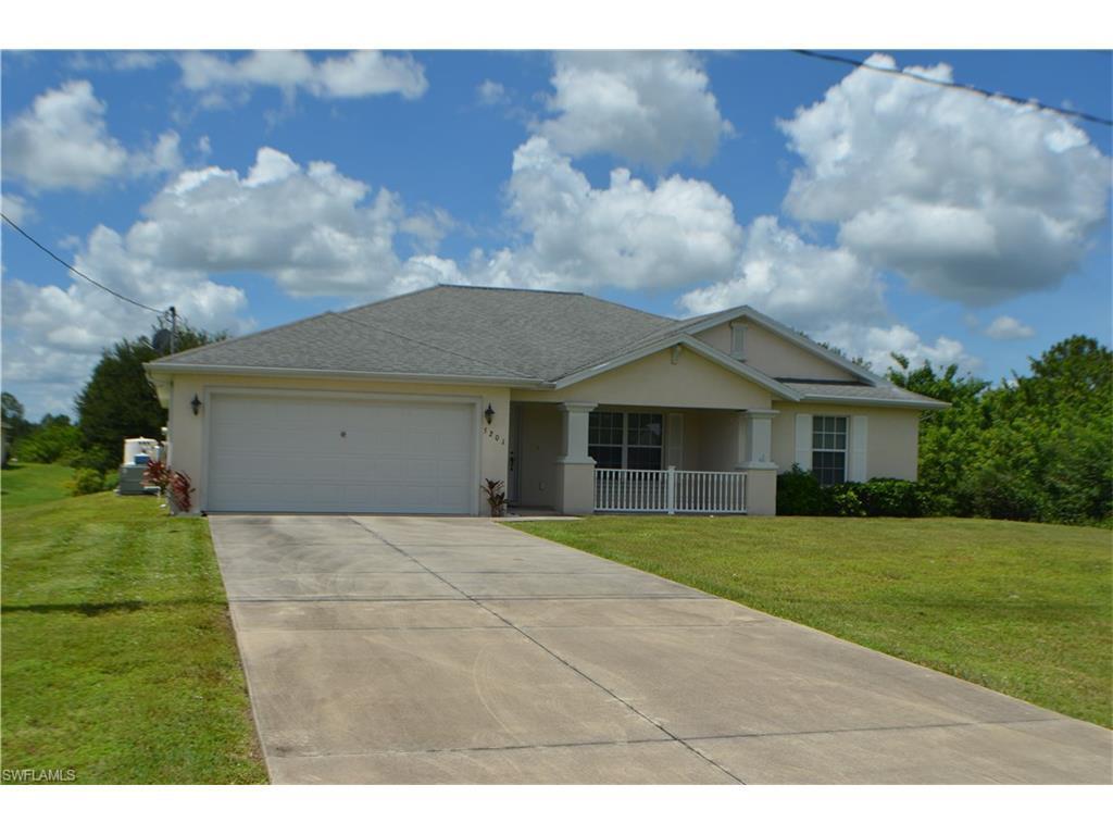 5201 Sunshine Blvd, Lehigh Acres, FL 33971 (MLS #216057853) :: The New Home Spot, Inc.