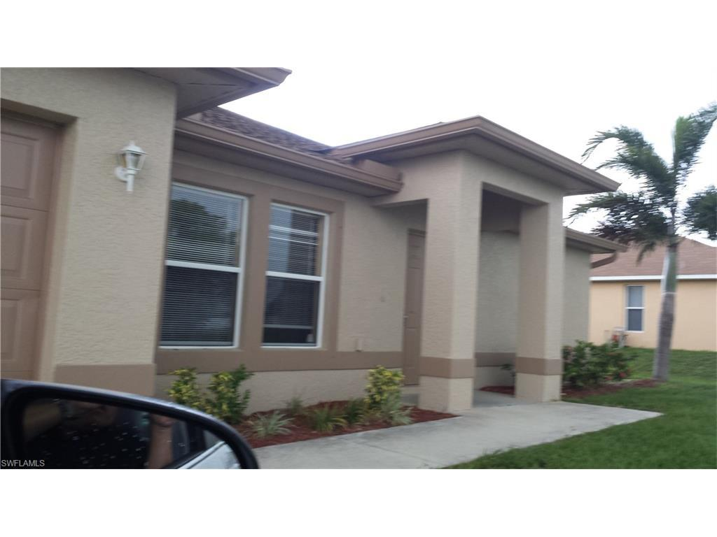 912 NW 15th Pl, Cape Coral, FL 33993 (MLS #216057995) :: The New Home Spot, Inc.