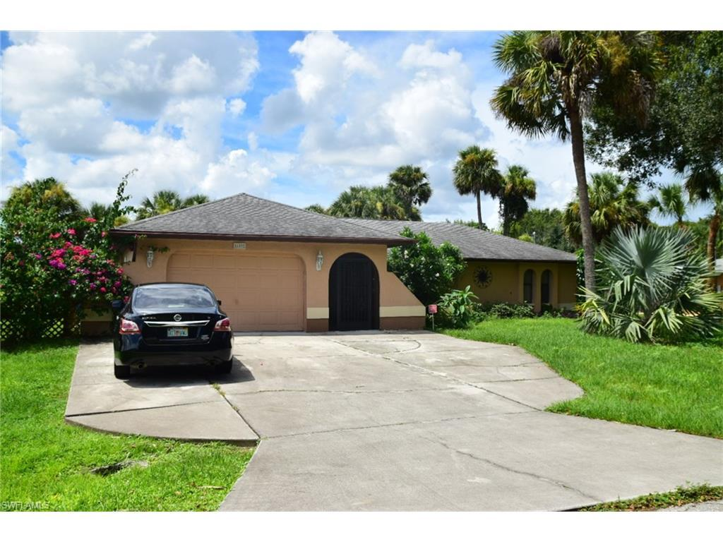 609 Jefferson Ave, Lehigh Acres, FL 33936 (MLS #216058196) :: The New Home Spot, Inc.