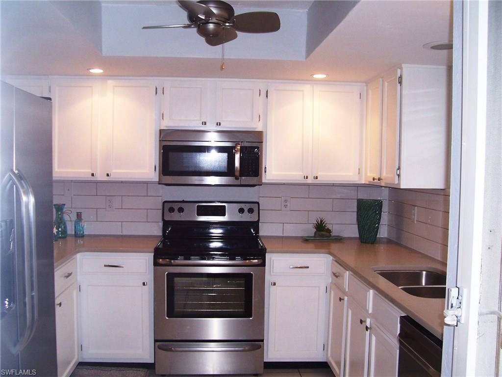 4531 Bay Beach Ln #336, Fort Myers Beach, FL 33931 (MLS #216058199) :: The New Home Spot, Inc.