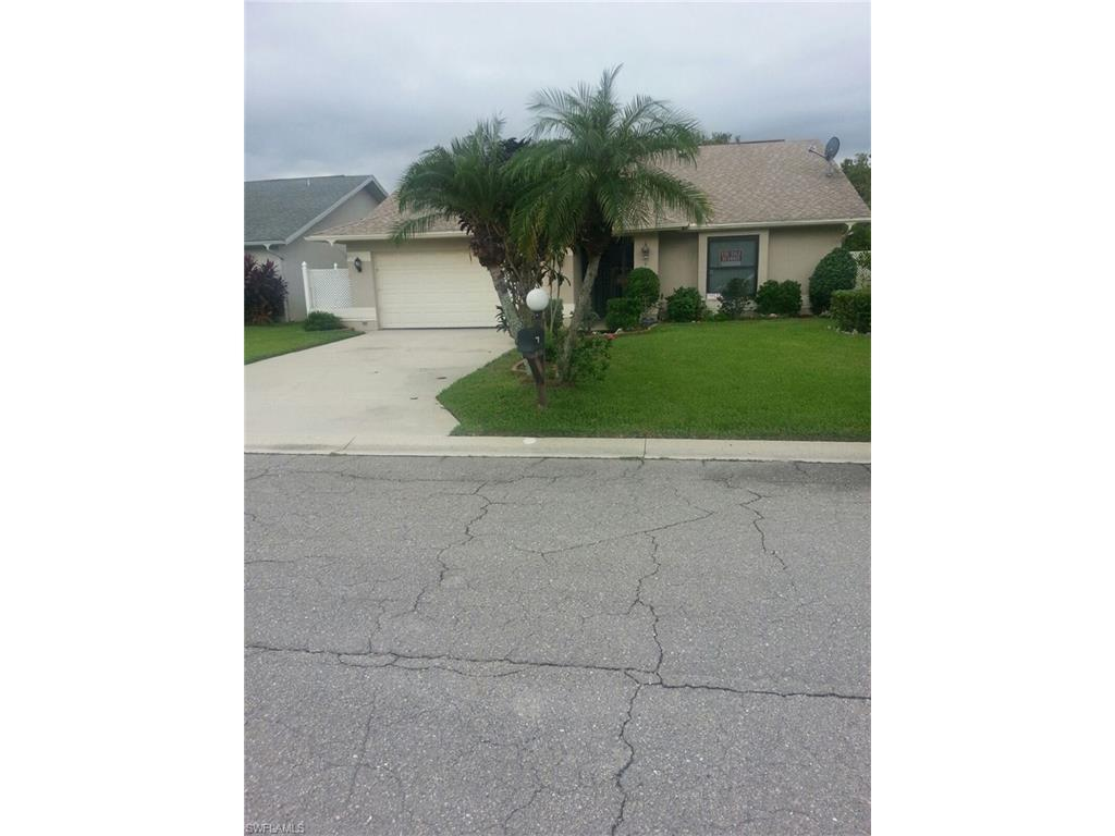 13179 Regent Cir E, Fort Myers, FL 33966 (#216058623) :: Homes and Land Brokers, Inc