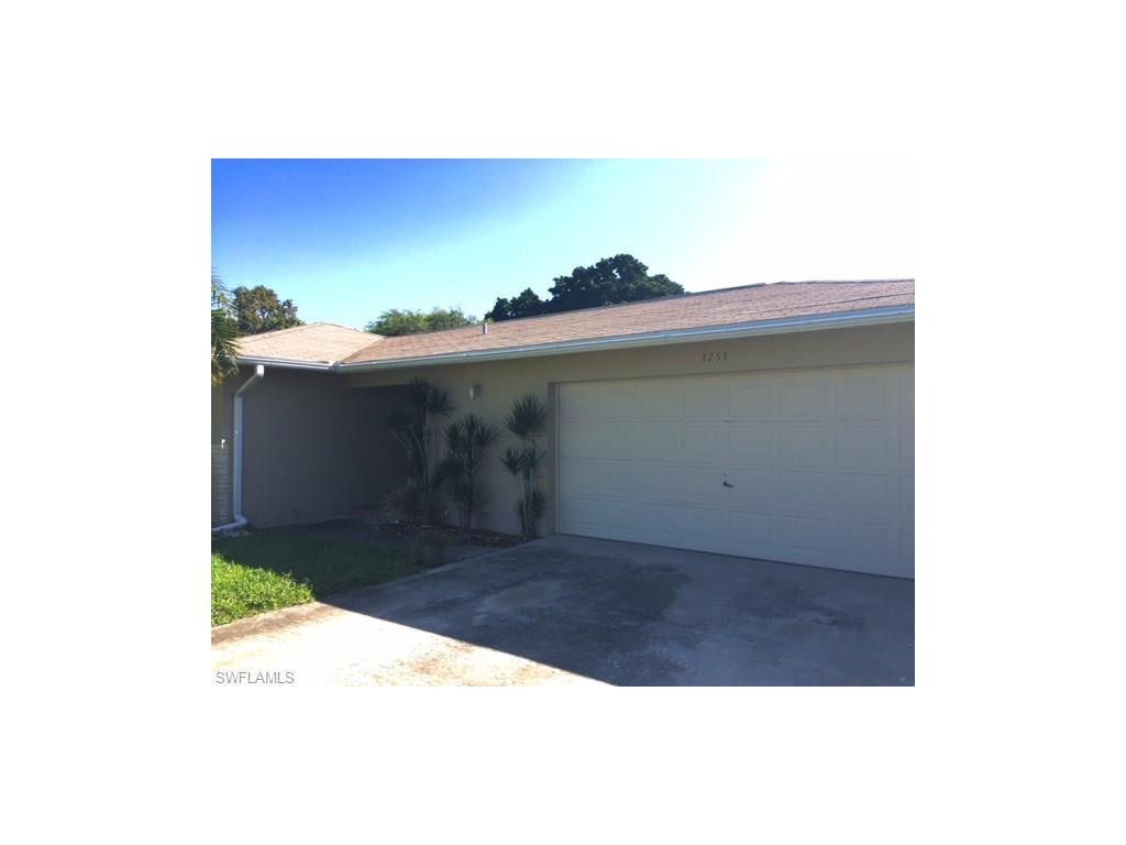 3753 SE 2nd Pl, Cape Coral, FL 33904 (MLS #216058681) :: The New Home Spot, Inc.