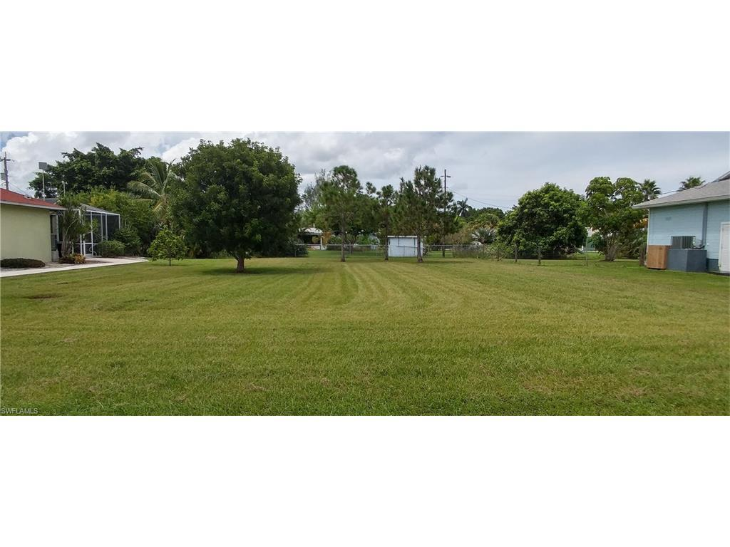 15853 Missouri St, Bokeelia, FL 33922 (#216058869) :: Homes and Land Brokers, Inc
