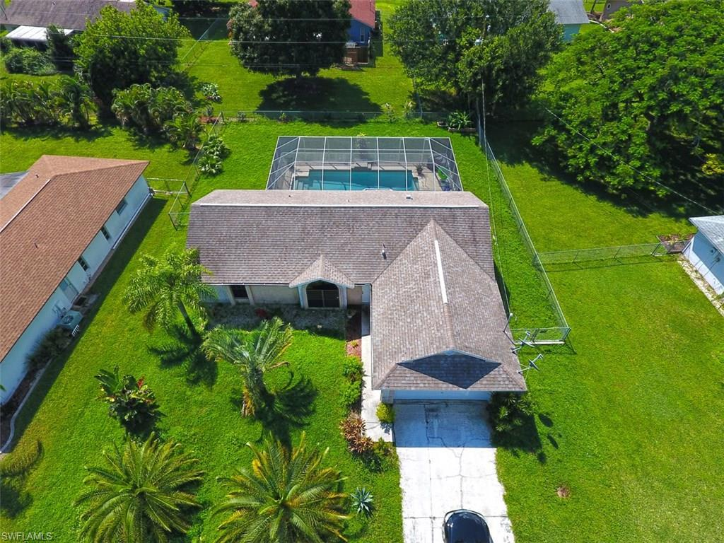 2206 NE 4TH St, Cape Coral, FL 33909 (MLS #216059135) :: The New Home Spot, Inc.